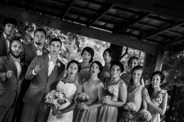 Фотограф упал во время съемки, и случайно получилось шедевральное свадебное фото