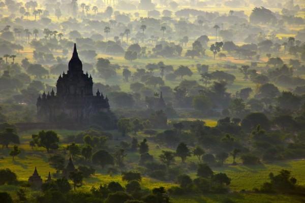 Храм в Багане, Мьянма